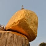 -ゴールデンロック- ミャンマーの落ちそうで落ちない黄金の巨石