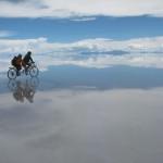まるでSFの世界! ウユニ塩湖を自転車で走ってみた【動画あり】