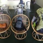 バックパッカー世界一周中の4人の荷物まとめ