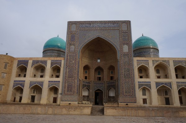 100青が鮮やかな ミル・アラブ マドラサ miruモスク