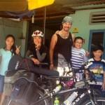 【日英夫婦チャリダー珍道中】ベトナム人一家のお宅でランチを御馳走になる