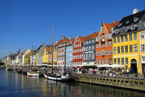 1024px-Nyhavn,_Copenhagen