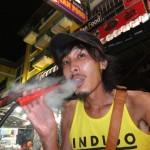 イランでは女子会でも吸われる!今話題の「水タバコ」ってなに?