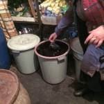 衝撃!ワイン発祥の地グルジアではバケツでワインが売られていた