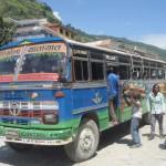 ネパールで超満員のバスに乗れた理由