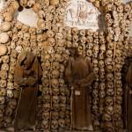 4千人分の骨がアートに!ローマの「骸骨寺」で見たもの