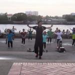 [動画]東南アジアの公園で集団で踊っているアレは一体何なのか