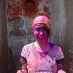 女子がインドの「ホーリー祭」から生きて帰れた理由