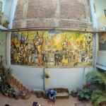 伝説の日本人宿「ペンションアミーゴ」の大壁画に隠された秘密