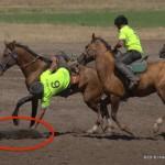 [世界の変なスポーツ]キルギスのキョクボルは馬で◯◯の死体をはこぶ