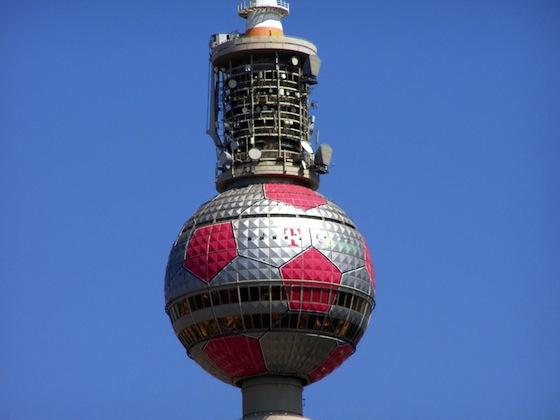 Fernsehturm_Berlin_als_Fußball