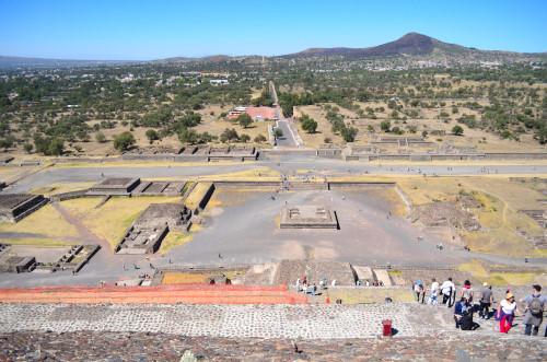 太陽のピラミッドの頂上からの写真