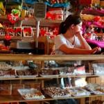 世界最南端の都市「プンタ・アレナス」に魔女の宅急便のキキが働いてそうなカフェがあった