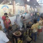 おやつに焼肉がメキシコ流!オアハカ随一の「トラコルーラの日曜市場」に行ってきた