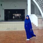 マレーシアの海に浮かぶ「マラッカ海峡モスク」で一悶着