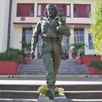 本物のチェゲバラの銅像には愛がある【キューバ・サンタクララ】