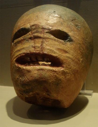 800px-Traditional_Irish_halloween_Jack-o'-lantern-1